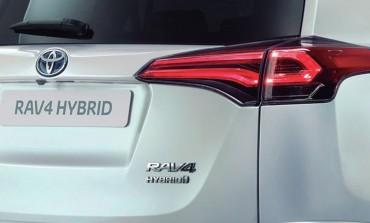 Toyota Suv RAV4 Hybrid, prezzi, consumi e caratteristiche