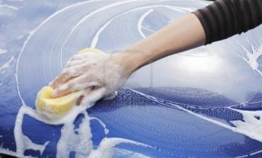 Come pulire esterno auto